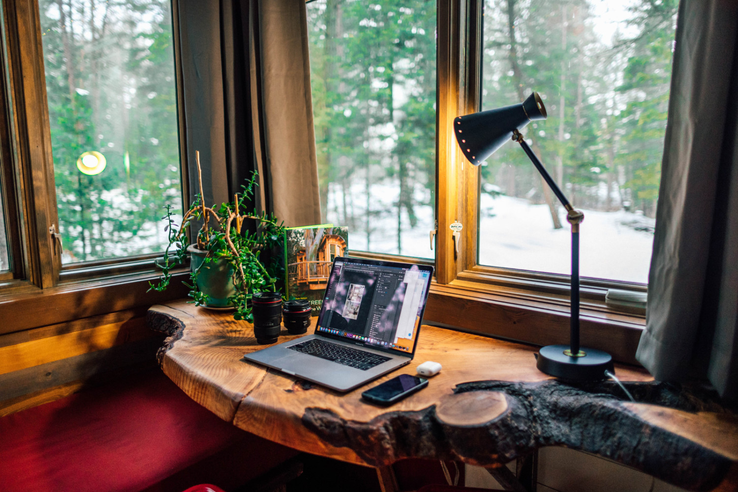 decluttered inviting office space for working from home